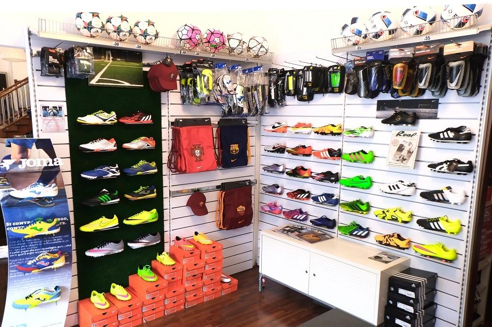 scarpe da calcio usate|scarpe calcio milano scarpe da